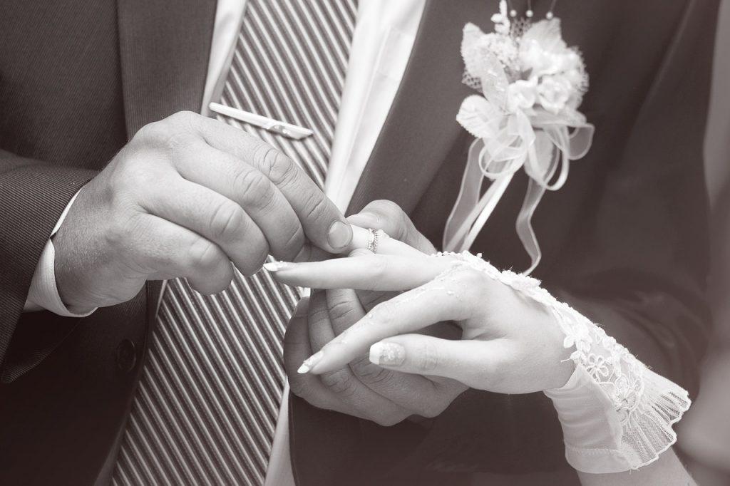 結婚式30周年の結婚記念日は『真珠婚式』